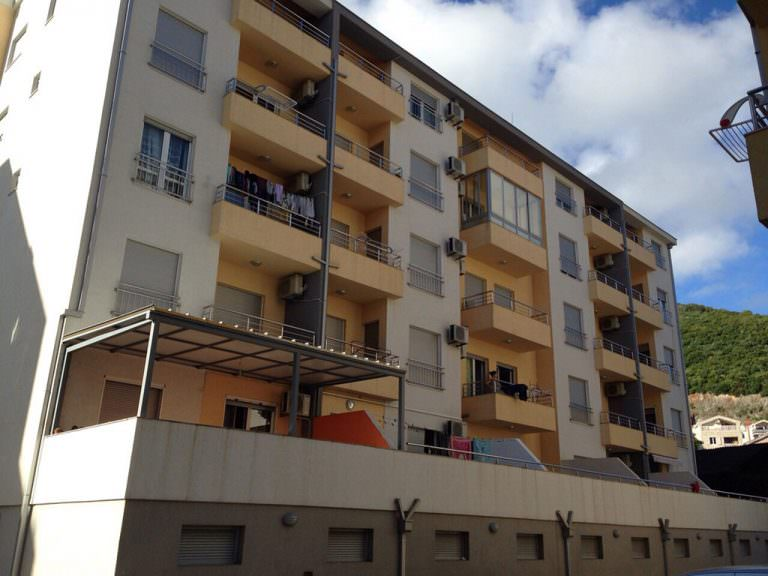 stambena-zgrada-budva-1