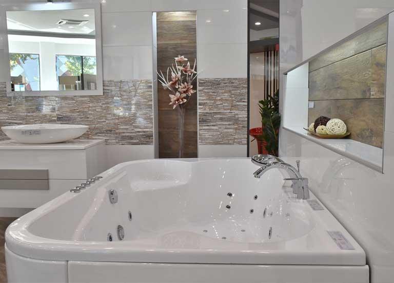 Новитети, ексклузивни модели керамичких плочица и опреме за купатила